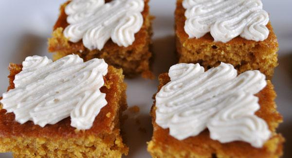 pumpkin-cake-bite-size