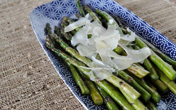 roasted-asparagus-truffle-oil-parmesan
