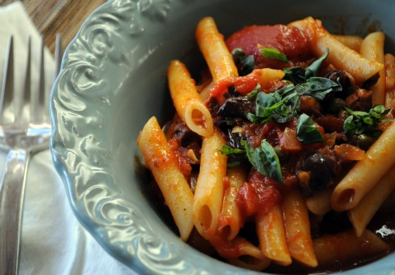pasta-puttanesca-recipe-quick-and-easy-mountain-mama-cooks
