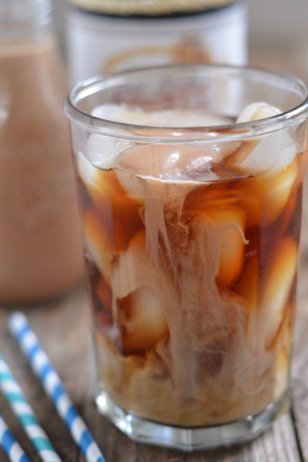 Chocolate Almond Coffee Creamer | mountainmamacooks.com